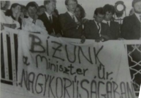 elte_evnyito_1990